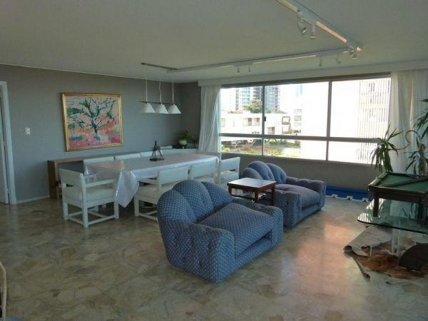 Departamento semi-piso en venta, 1a fila de Playa Mansa, vistas al mar, puerto e Isla de Gorriti