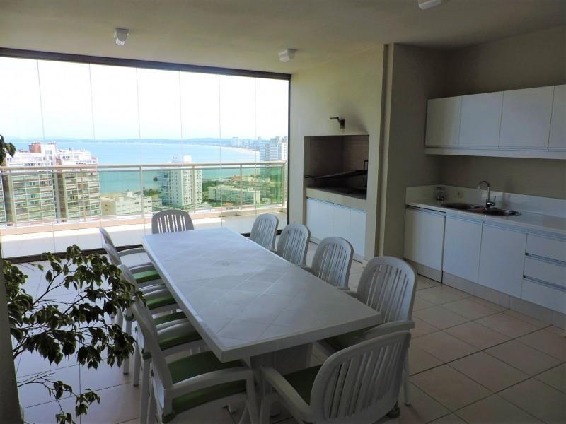 Excelente penthouse en torre de categoría en Playa Brava